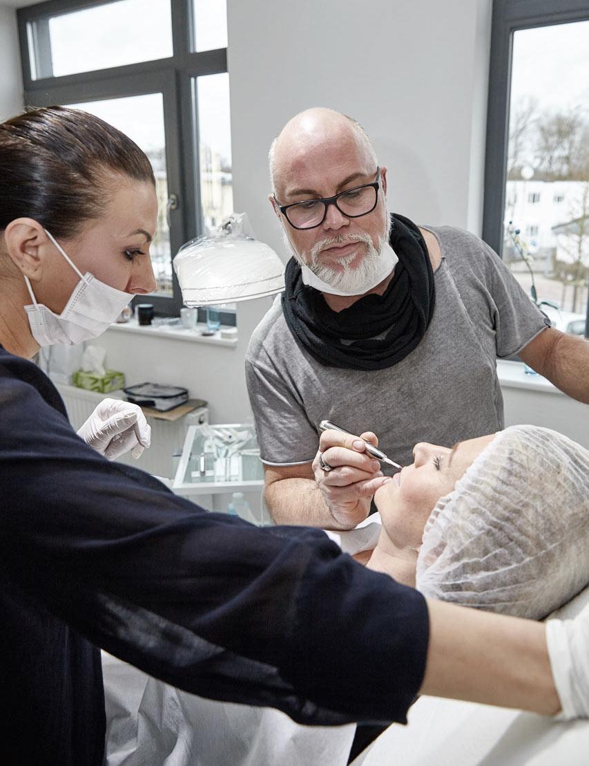 Lip Blushing, Holger Hoffmann Internationaler Meister Permanent Make-up - Goldeneye